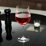 Ученые рассказали, почему пить красное вино не можно, а нужно